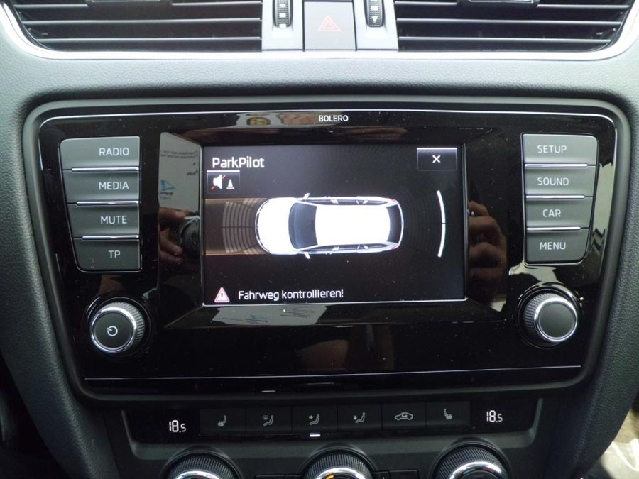 autoradio gps skoda octavia depuis 2013 gps dvd usb bluetooth. Black Bedroom Furniture Sets. Home Design Ideas